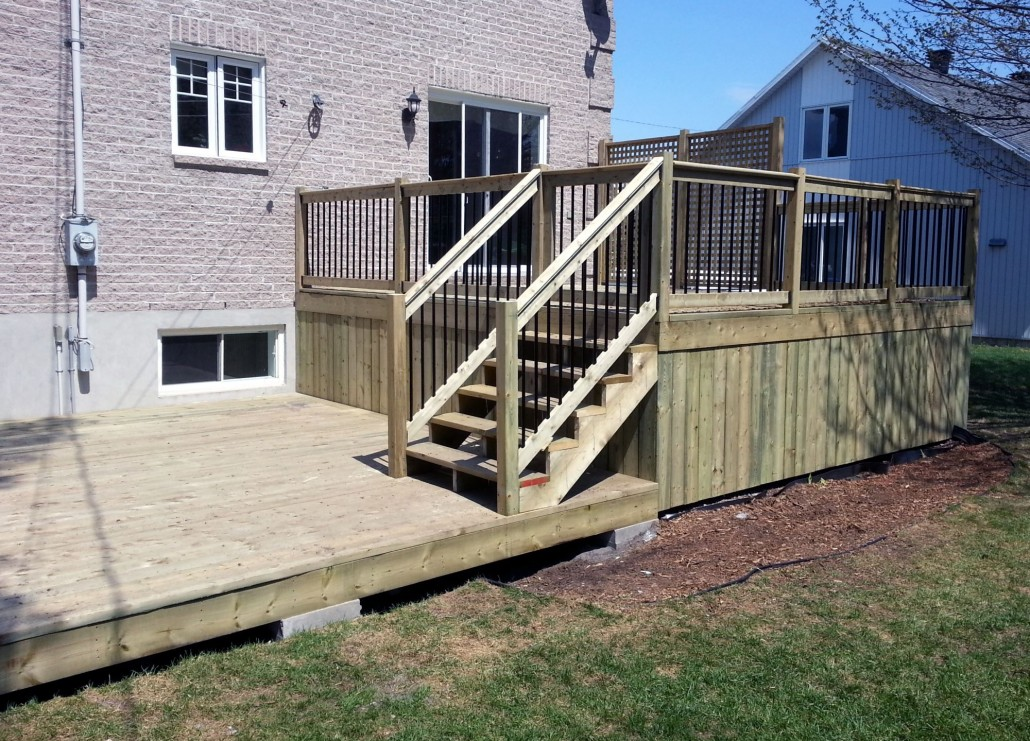 Bell r no balcons et patios for Plan de patio exterieur en bois